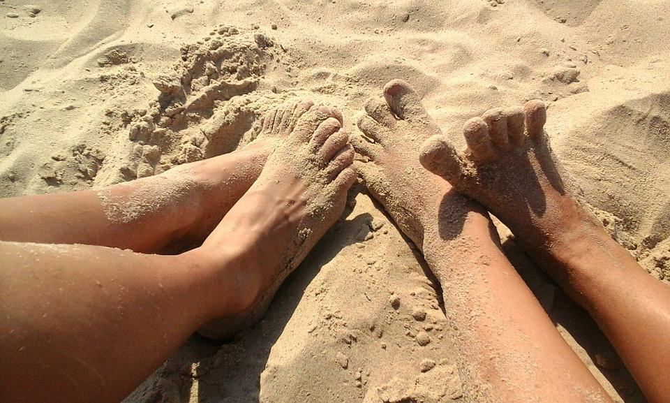Как позаботиться о здоровье ног в летний период?